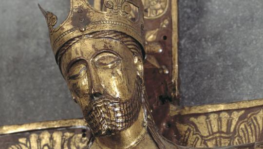 Jesus figur fra det gyldne krucifiks fra Tirstrup Kirke ved Æbeltoft, ca. 1140-50.